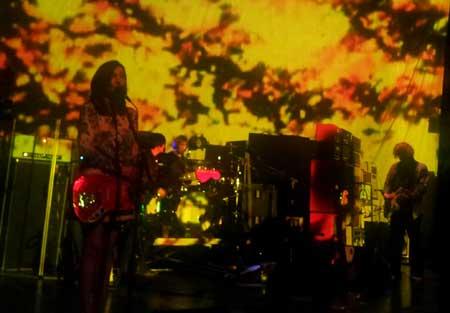 http://www.terapija.net/fotke/koncert/20130609_224233_3.jpg